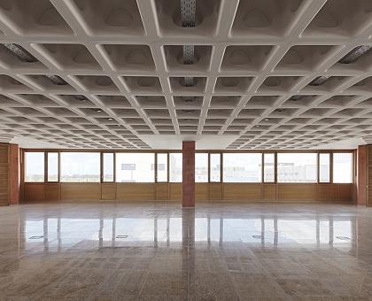 Este innovador sistema de losa usa 55% menos de concreto que uno tradicional.